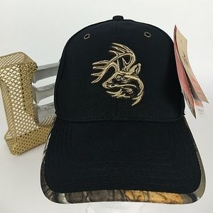 NWT Legendary Whitetails black embroidered hat